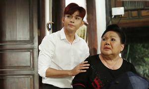Jun Phạm thường bỏ show Tết để ở cạnh ba từ khi mẹ qua đời
