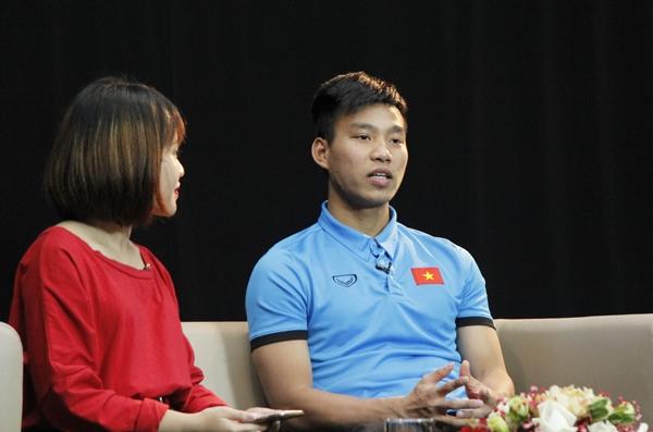 Vũ Văn Thanh liên tục bắn tim kute tặng fan