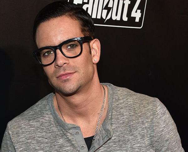 Sốc: Nam diễn viên Glee treo cổ tự tử - 2