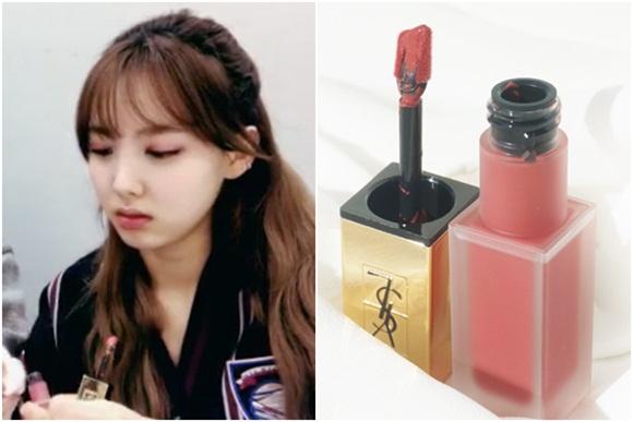 Bóc mác loạt son môi, mỹ phẩm dưỡng da của Na Yeon (Twice) - 1