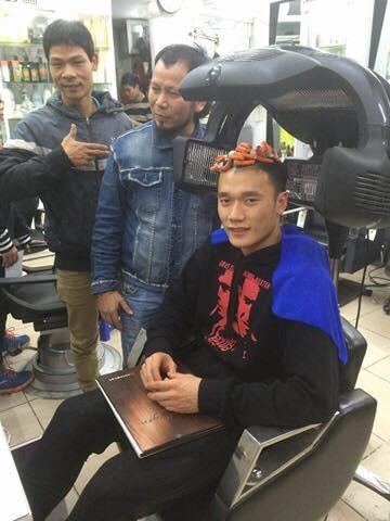 Loạt ảnh chứng minh U23 Việt Nam cũng rất điệu đà, mê làm đẹp - 4