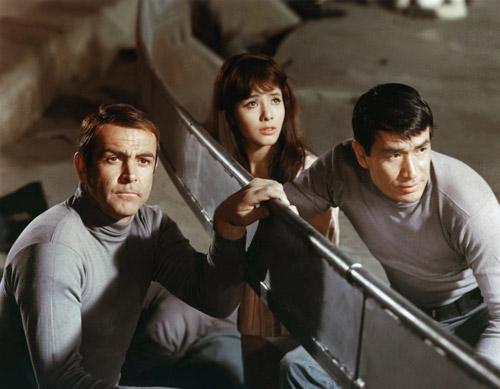 Màn hóa trang thảm hại nhất của James Bond gây tranh cãi