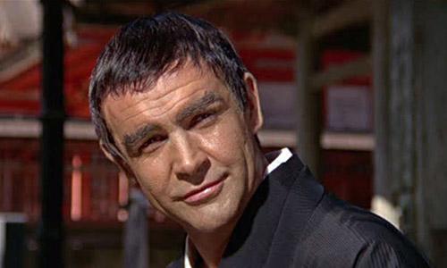 Màn hóa trang thảm hại nhất của James Bond gây tranh cãi - 1