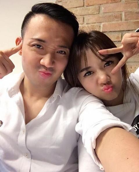Trấn Thành - Hari Won chăm chỉ selfie chứng minh tướng phu thê là có thật - 3