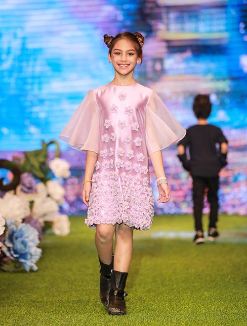 Mẫu nhí lai xinh như thiên thần ước mơ thành Hoa hậu Hoàn vũ - 3