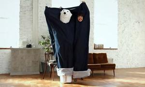 Túi ngủ cực độc hình quần jeans khổng lồ không dành cho 'dân FA'