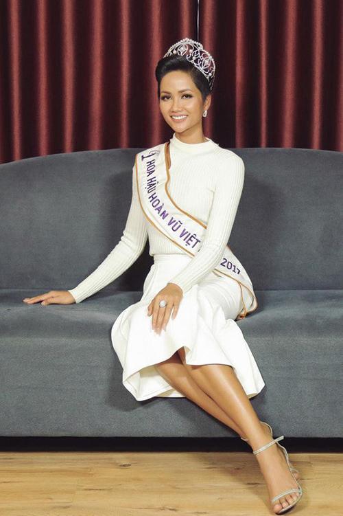 Hoa hậu HHen Niê đóng khung hình ảnh sau 1 tháng đăng quang - 3