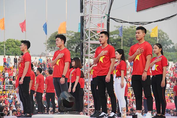 U23 Việt Nam điển trai xuất hiện trong tiếng reo hò của fan Sài Gòn - 2