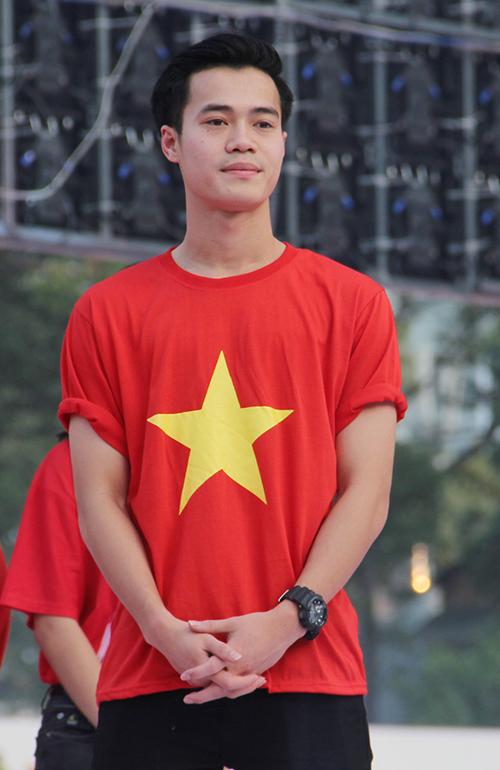 U23 Việt Nam điển trai xuất hiện trong tiếng reo hò của fan Sài Gòn - 5