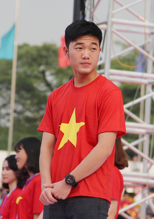 U23 Việt Nam điển trai xuất hiện trong tiếng reo hò của fan Sài Gòn - 7