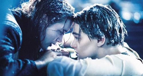 Cảnh Jack hi sinh để Rose được sống.