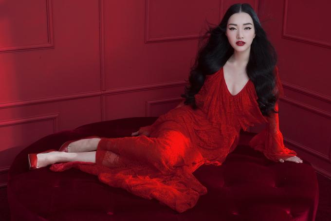 <p> Ngọc Trân chia sẻ cô đang cố gắng hoàn thành thật tốt vai trò MC, tham gia các chương trình quảng bá du lịch, chuẩn bị các kỹ năng để có thể quay trở lại cuộc thi Hoa hậu Việt Nam trong tương lai gần.</p>