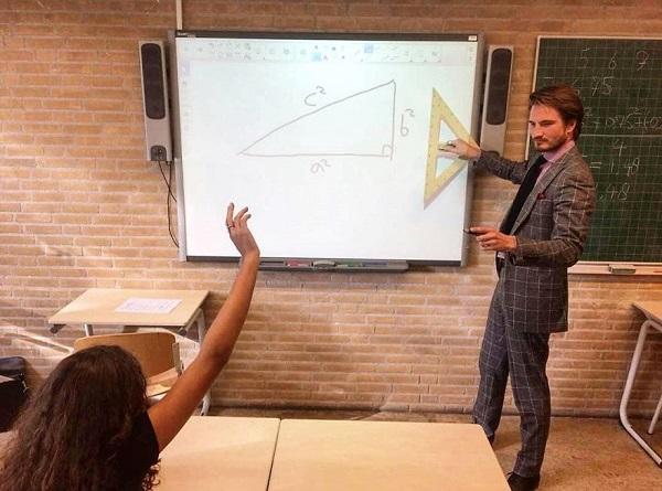 Thầy giáo dạy Toán điển trai như tài tử Hollywood