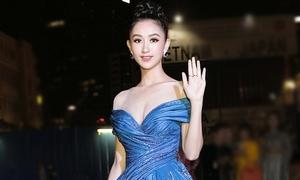 Hà Thu diện lại đầm dạ hội từng gây ấn tượng tại Miss Earth 2017
