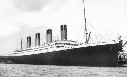 Hình ảnh thật con tàu Titanic gặp nạn năm 1912.