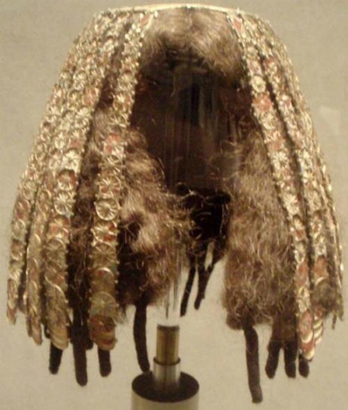 Chuyện thời cổ xưa, nhuộm tóc bằng hành, quế