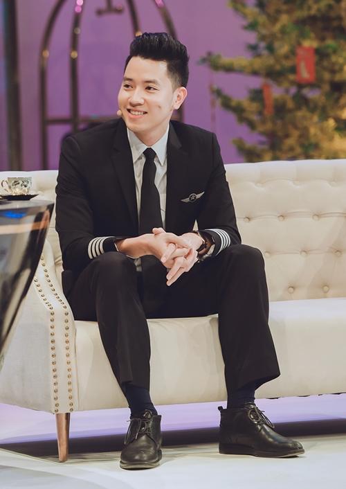 Phi công 24 tuổi điển trai nhất Việt Nam lên sóng truyền hình với Trấn Thành - 2