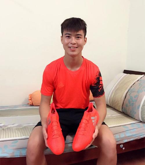 Hot boy chơi đồ hiệu sành nhất trong U23 Việt Nam - 5