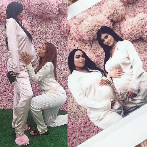 Loạt ảnh bụng bầu vượt mặt vẫn sexy lần đầu công bố của Kylie Jenner - 7
