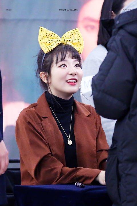 Seul Gi, Suzy khiến fan tan chảy với ánh mắt dịu dàng - 2