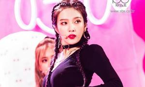 Joy (Red Velvet) hút fan ầm ầm bởi fancam quá gợi cảm