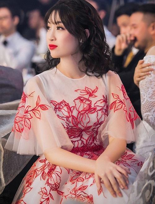 Hoa hậu Đỗ Mỹ Linh được khen ngợi hết lời vì đổi kiểu tóc - 3