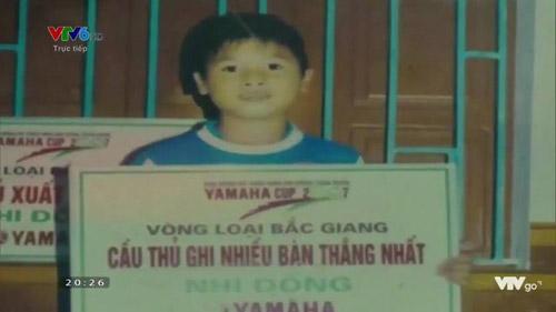 Thầy Park gặp khó trước thử thách gọi tên cầu thủ U23 qua ảnh thuở bé