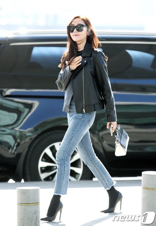 Chị em Jessica - Krystal đọ phong cách, Twice ấm áp về Hàn