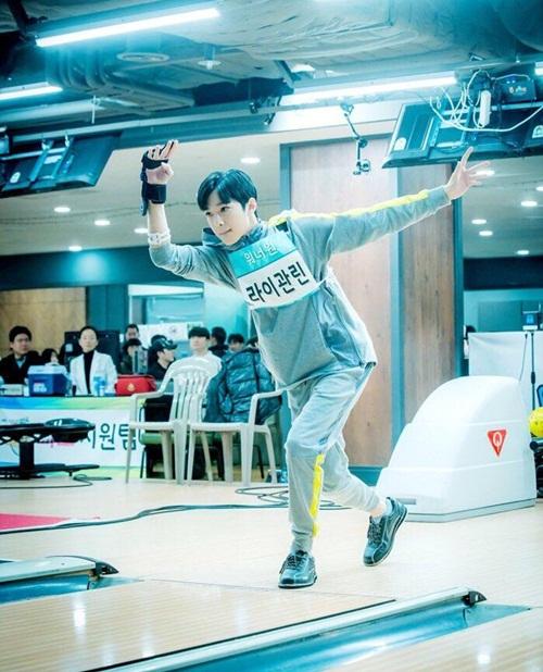 Loạt idol khoe dáng ném bowling chất lừ như đóng phim - 6