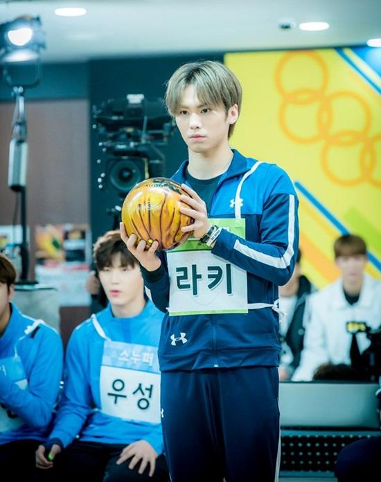 Loạt idol khoe dáng ném bowling chất lừ như đóng phim - 8