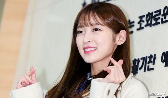 Kim Yoo Jung và loạt sao Kpop rạng rỡ trong ngày tốt nghiệp cấp 3 (2) - 8