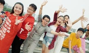Phương Uyên - Thiều Bảo Trang 'quậy tưng' cùng dàn trò cưng trong MV Tết