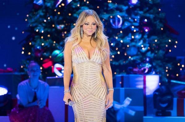 Tên tuổi của Mariah Carey gắn liền với ca khúc Auld Lang Syne do cô trình bày và ra mắt vào năm 2010.