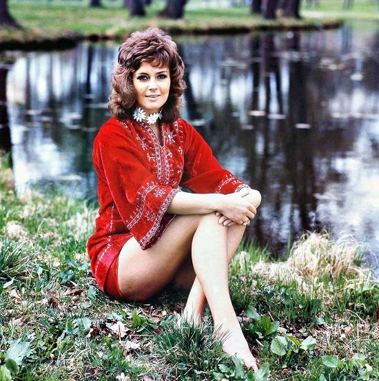 Nhan sắc cuốn hút của Anni-Frid Lyngstad khi còn là 1 thành viên của ABBA.