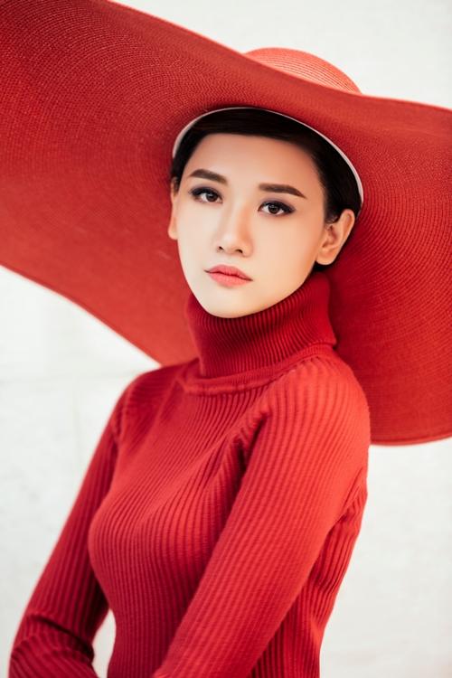 Chán hình tượng dễ thương, Hari Won hóa quý cô Tây Âu lạ lẫm - 3