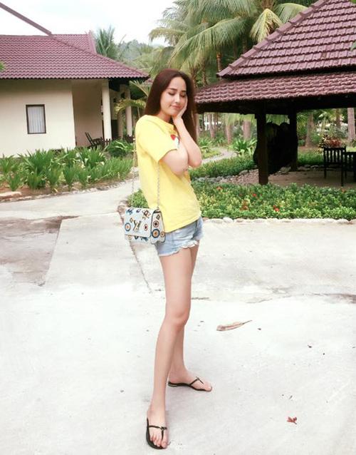 Sắm hàng hiệu bất chấp nhưng Mai Phương Thúy vẫn mặc đồ kiểu gái quê - 9