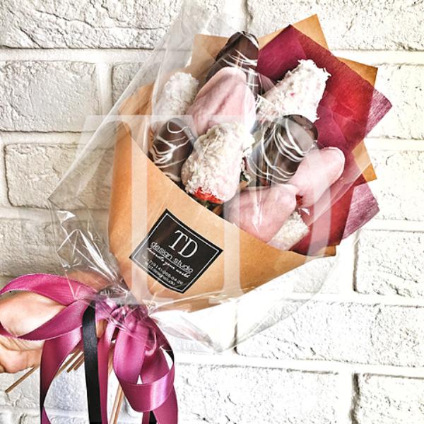 Hoa hồng và socola xưa rồi, giới trẻ giờ thích quà Valentine này cơ - 4