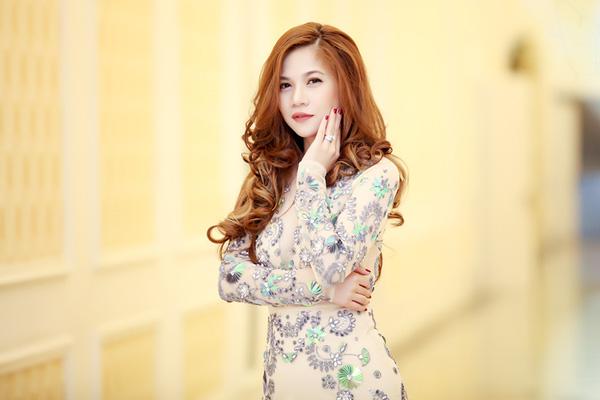 Những sao Việt dở khóc dở cười vì bị fan cuồng sàm sỡ - 2
