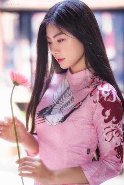 Miss Teen Nam Phương khoe nhan sắc rực rỡ tuổi 18 giữa phố xuân - 8