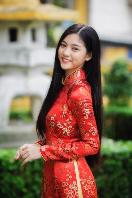 Miss Teen Nam Phương khoe nhan sắc rực rỡ tuổi 18 giữa phố xuân - 2
