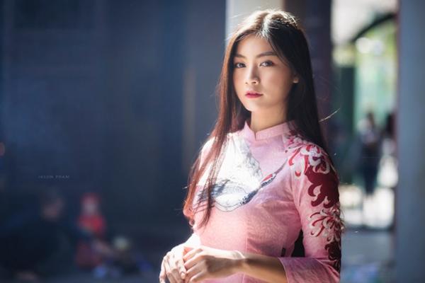 Miss Teen Nam Phương khoe nhan sắc rực rỡ tuổi 18 giữa phố xuân - 7