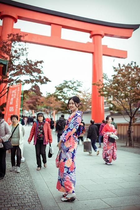 Á hậu cao nhất Việt Nam đẹp mong manh trong trang phục truyền thống Nhật Bản