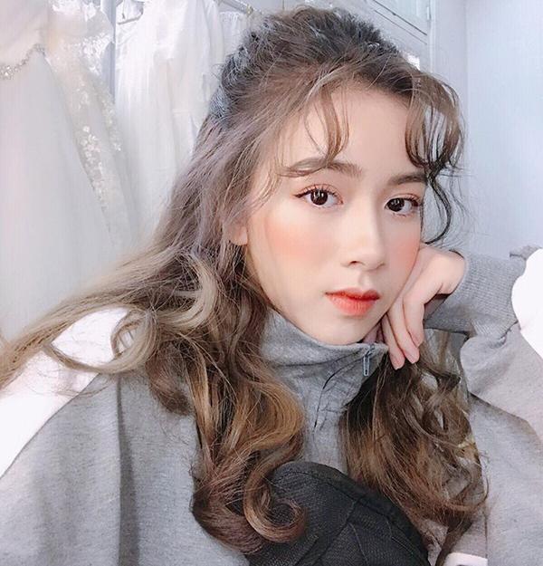 Trào lưu làm tóc khác biệt của các hot girl Hà Nội và Sài Gòn - 1