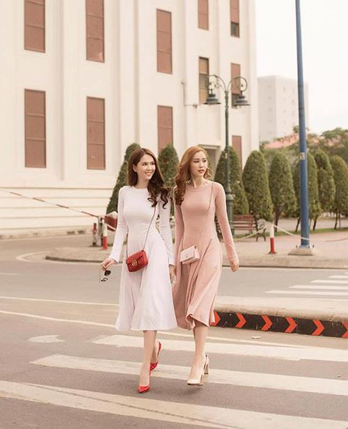 Street style đẹp miễn chê những ngày cận Tết của sao, hot girl Việt