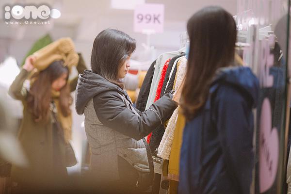 Các phố mua sắm Hà thành bán rẻ như cho, kẹt cứng đến gần nửa đêm - 4