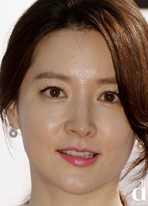 Thử thách chụp ảnh cận mặt: Song Hye Kyo, Kim Tae Hee cũng phải thua Suzy - 2