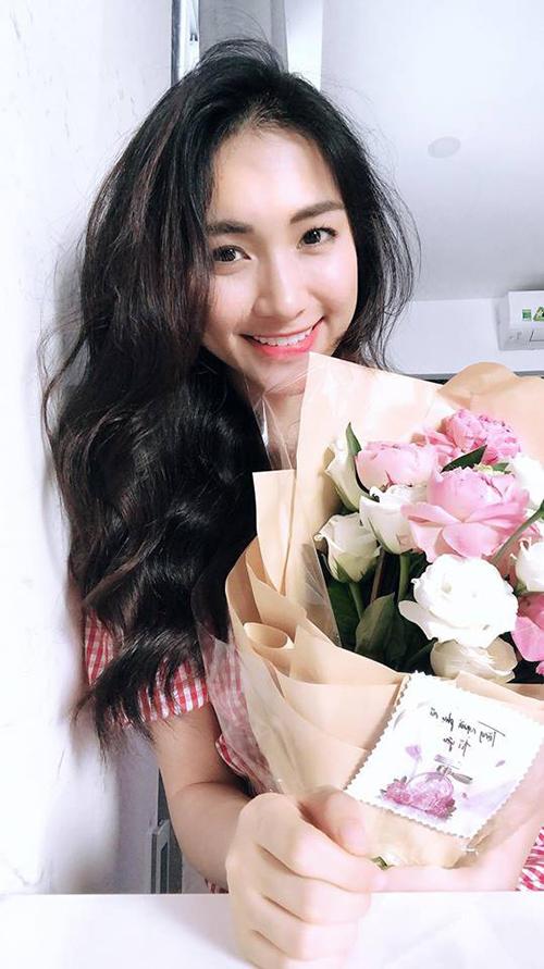 Sao Việt khoe quà, hạnh phúc bên người yêu dịp Valentine - 7