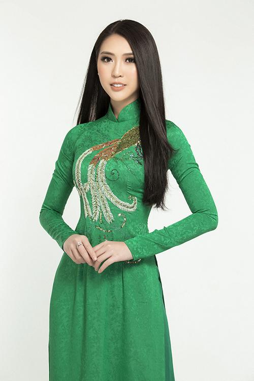 Tường Linh đẹp dịu dàng với áo dài đón Tết - 2