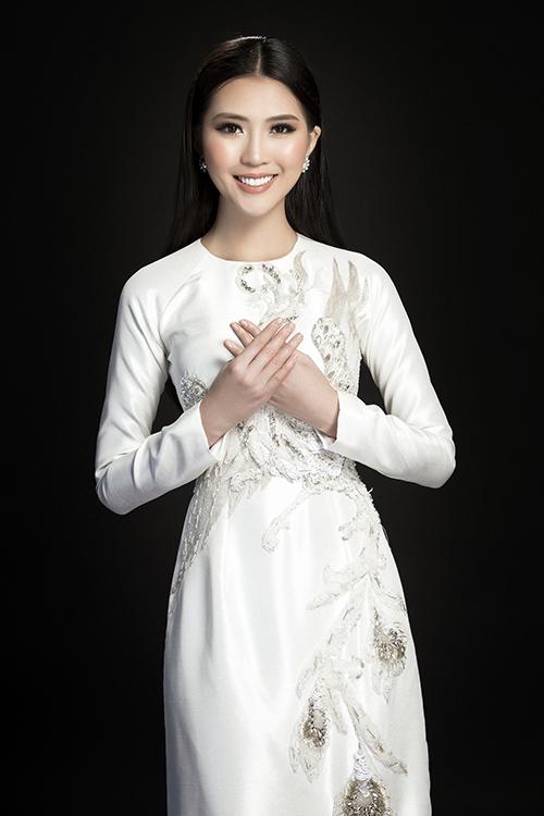 Tường Linh đẹp dịu dàng với áo dài đón Tết - 8