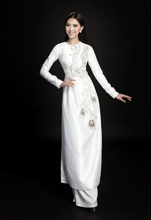 Tường Linh đẹp dịu dàng với áo dài đón Tết - 9